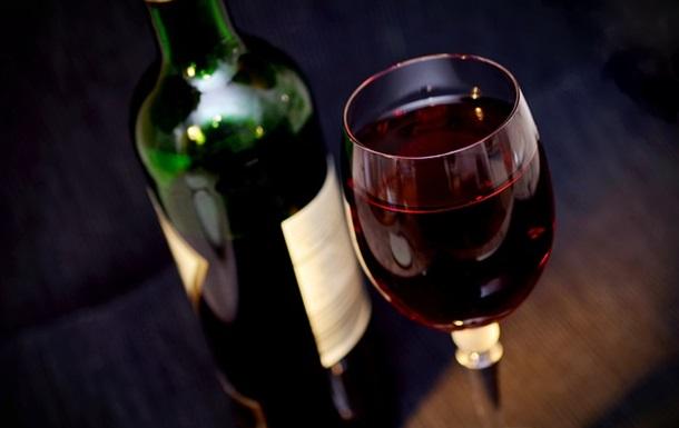 Умеренное употребление алкоголя не приводит к слабоумию − ученые