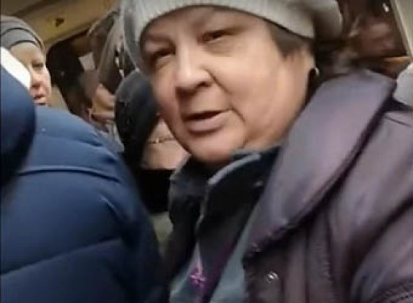 """В Екатеринбурге кондуктор назвала ребенка-колясочника """"багажом"""" и потребовала его оплатить"""
