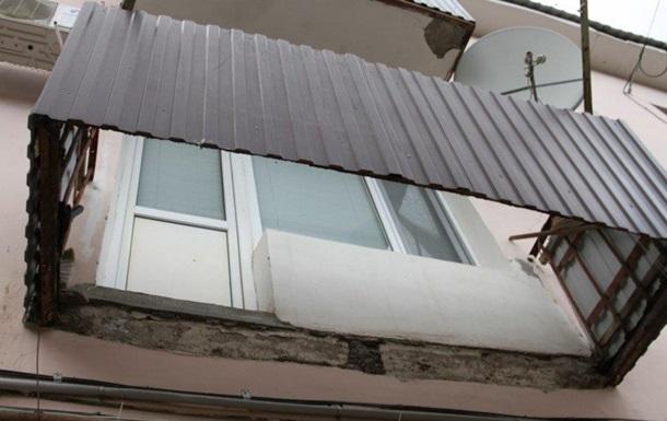 В Коблево на базе отдыха рухнул балкон с рабочими, есть жертвы