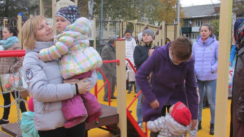 В Московской области уже установили около 180 детских площадок