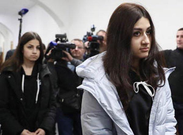 В сети появилась запись звонка сестер Хачатурян после убийства