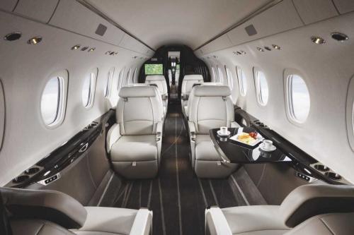 Cessna Citation Longitude Cessna Citation Longitude может вместить до 12 человек и стоит 26 млн долларов.
