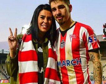 Жена футболиста покорила фанатов своими эмоциями во время игры мужа