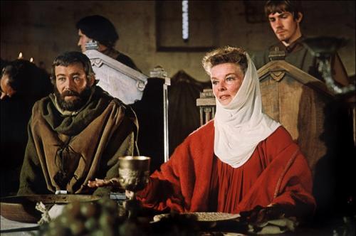 «Лев зимой» (1968) В ленте Энтони Харви актриса блестяще исполнила роль Алиеноры Аквитанской, жены короля Англии Генриха II. Второй «Оскар» за два года! Фильм также получил награды за лучшую музыку и сценарий.