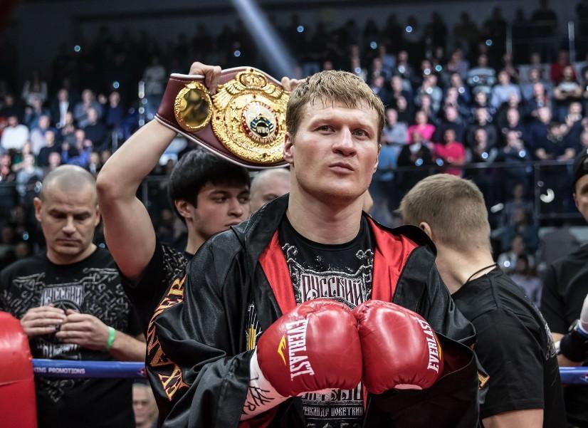 Боксер Александр Поветкин готовится к предстоящему бою в Подмосковье