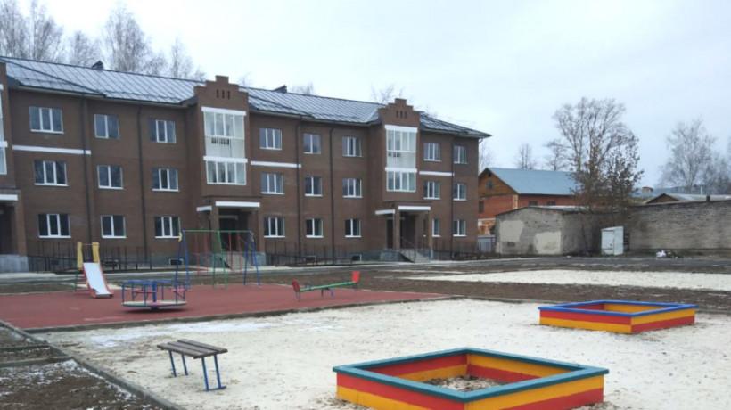 Более 100 переселенцев из аварийного жилья переедут в новостройку в Рошале в 2020 году