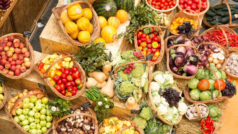 Более 600 килограммов фруктов и овощей продали на ярмарке «Ценопад» в Селятине