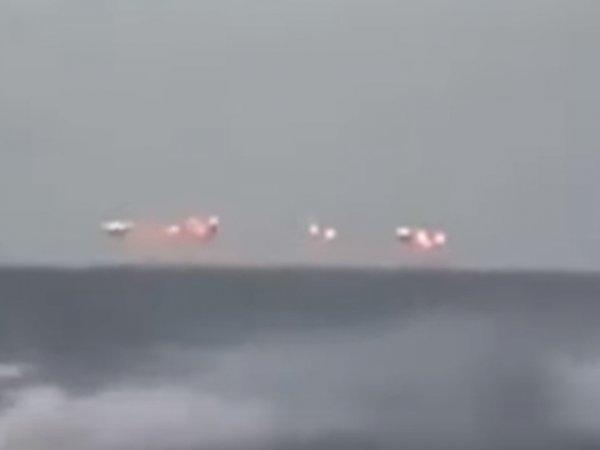 """""""Флот Нибиру"""" атаковал катер береговой охраны США: видео инцидента """"взорвало"""" Сеть"""