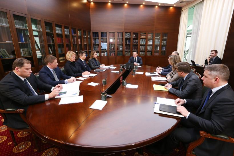 Губернатор обсудил с зампредами строительство дорожно-транспортной инфраструктуры в регионе