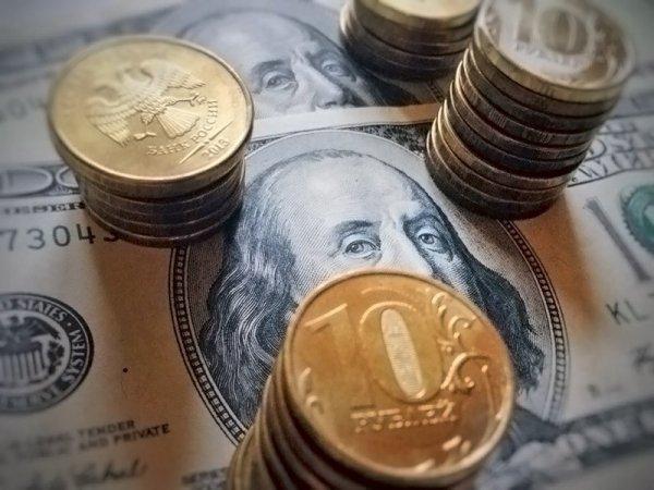 Эксперты: у рубля почти нет шансов