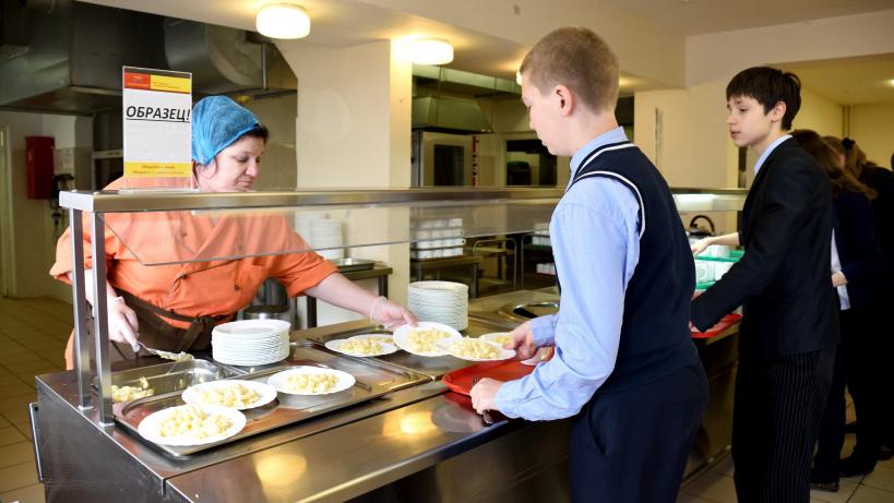 Как контролируют питание школьников в Подмосковье