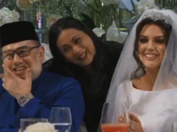Опубликовано видео со свадьбы бывшего короля Малайзии и Оксаны Воеводиной