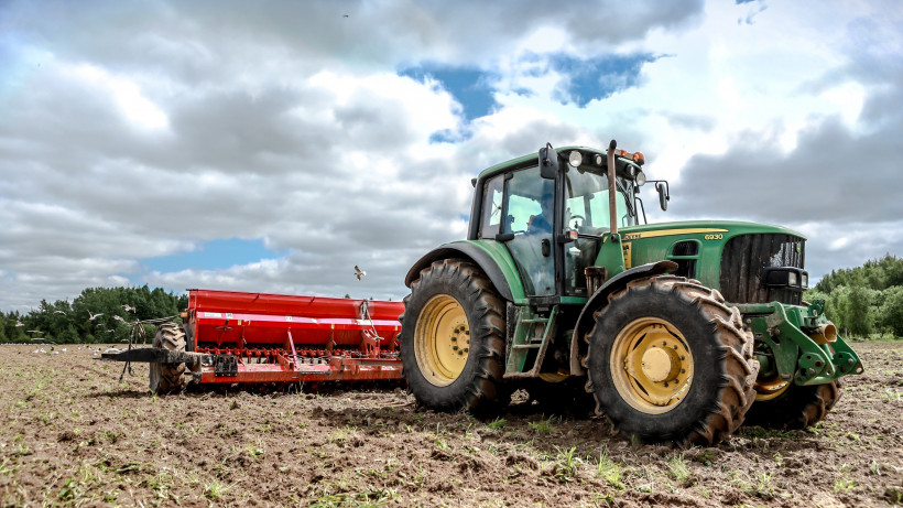 Почти 20 тыс. удостоверений тракториста выдали и заменили в Подмосковье в 2019 году