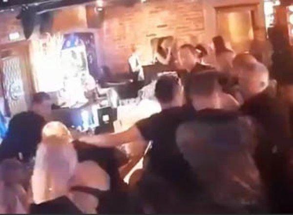 """""""Погрызли в баре"""": в Москве следователю военного СК откусили щеку за чужое место (ВИДЕО)"""