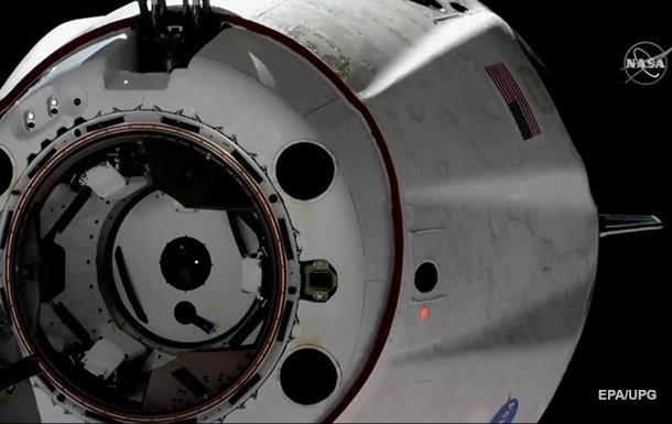 SpaceX испытала пассажирский космический корабль Crew Dragon