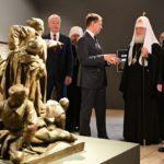 Владимир Путин посетил выставку «Память поколений: Великая Отечественная война в изобразительном искусстве» в ЦВЗ «Манеж»