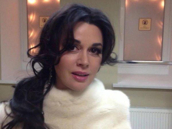 """""""Врач лично сказал об этом"""": семья Заворотнюк прокомментировала сообщения о смерти актрисы"""