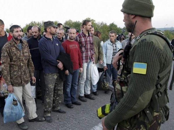 ДНР и Киев начали большой обмен пленными