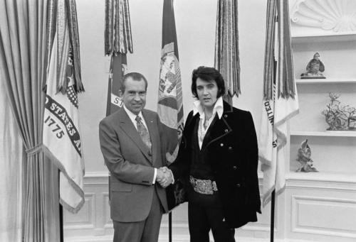 Фото звезд, доказывающие их близкую дружбу с президентами