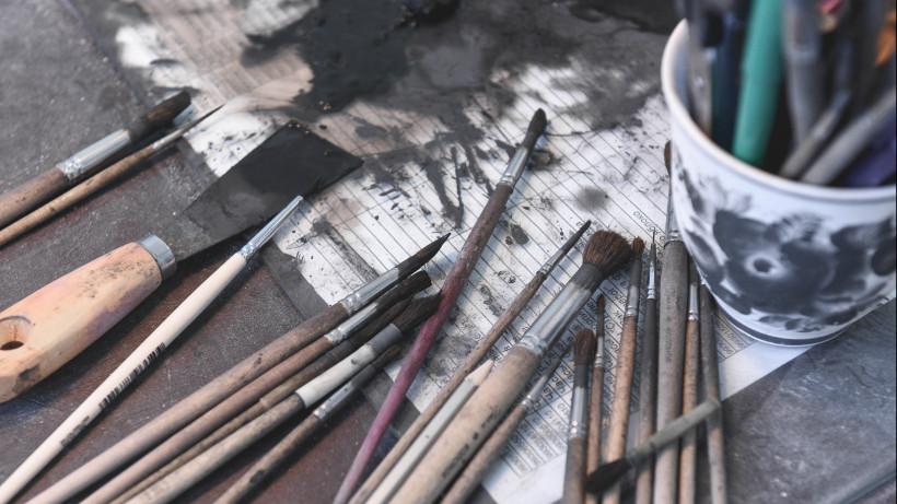 Главный художник Гжельского фарфорового завода: «Мы возродили цветную гжель»