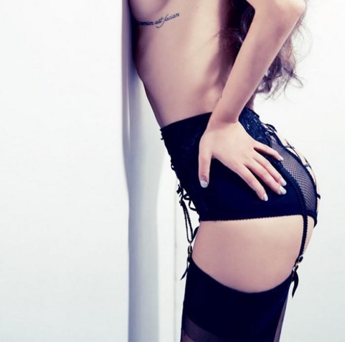 """""""Надо ж рейтинг поднимать"""": БДСМ-фото голой Виктории Дайнеко шокировали фанатов"""