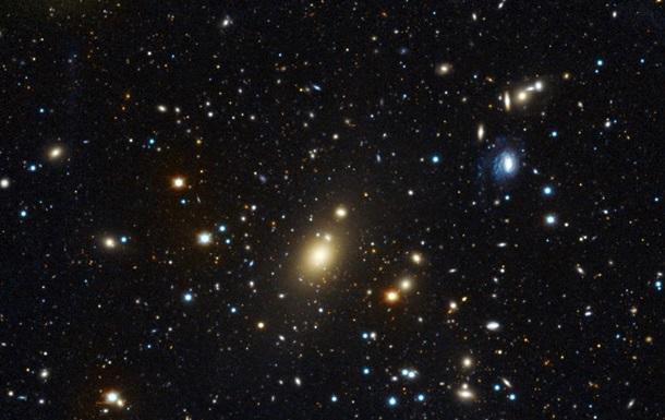 """Найден космический """"убийца"""" массой в 40 миллиардов Солнц"""