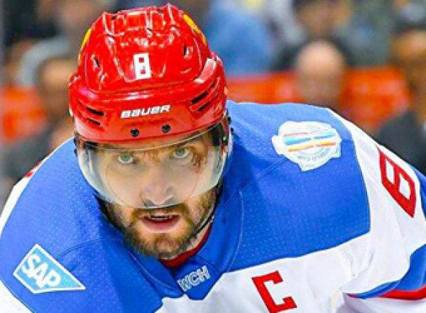 Не влезай, убьет: Овечкин вырубил второго арбитра НХЛ