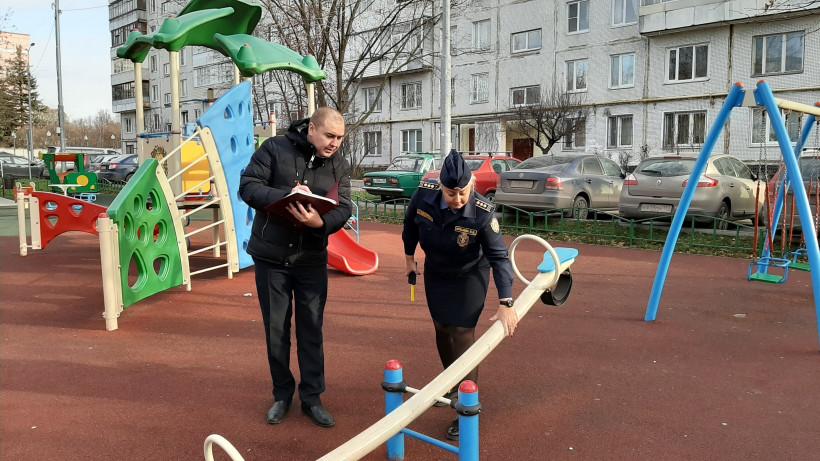 Почти 30 детских площадок привели в порядок в 9 муниципалитетах Подмосковья за неделю