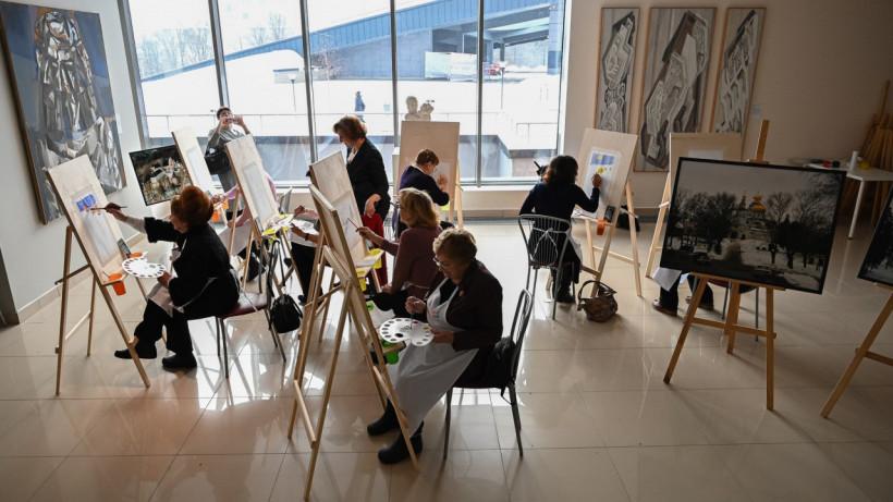Пожилые жители Московской области могут посещать арт-студию в «Новом Иерусалиме»