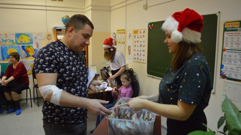 Сдать кровь можно в новогодние праздники в Подмосковье