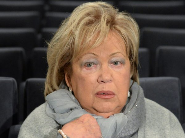 СМИ: Галина Волчек попала в реанимацию и впала в кому