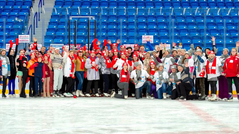 Тренировка по катанию на коньках прошла для участников «Активного долголетия» в Подольске