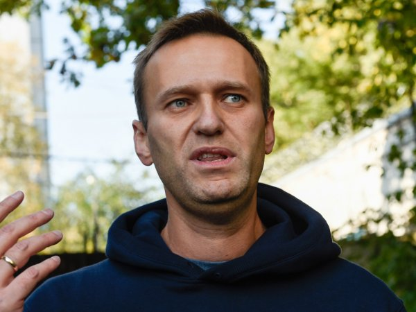 """В ФБК пришли с обысками """"люди в масках и касках"""" и задержали Навального"""