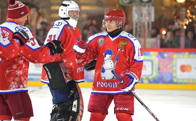 """""""Все ждут его в батискафе, а он на льду"""": игру НХЛ в поддавки с Путиным высмеяли в Сети"""