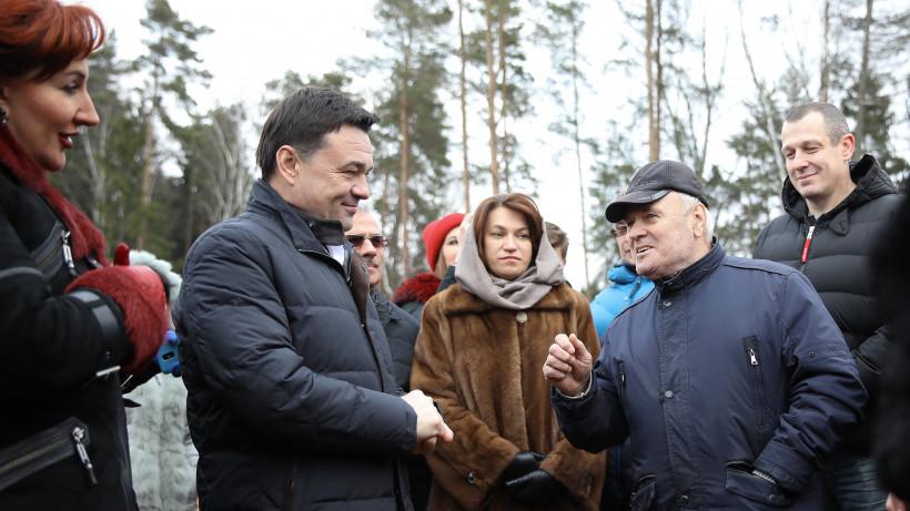 Андрей Воробьев проконтролировал ход строительства путепровода в Дедовске