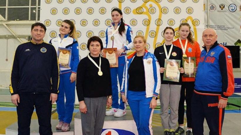 Фехтовальщики из Подмосковья завоевали четыре награды первенства России