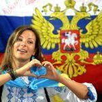 Все больше украинцев становятся россиянами