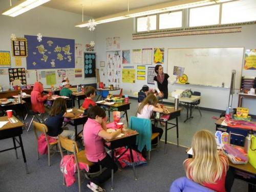 3. Все дети в Голландии начинают школу на свой 4-й день рождения, и поэтому в классе всегда есть новенький. Хотя у тех, кто постарше есть больше времени, чтобы адаптироваться и завести друзей, все дети находятся примерно на одном уровне развития ко времени, когда они поступают в школу.