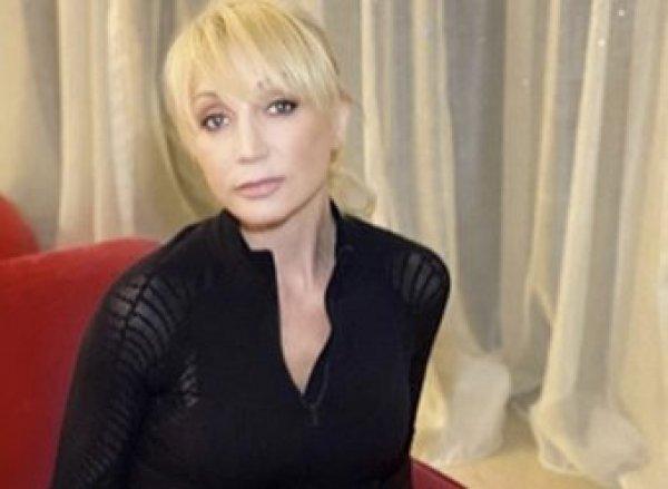 Кристина Орбакайте сломала ногу, прервав концертную деятельность