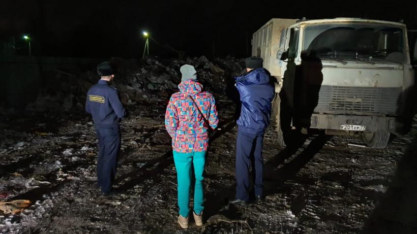 Незаконный сброс коммунальных и строительных отходов предотвратили в Дмитрове