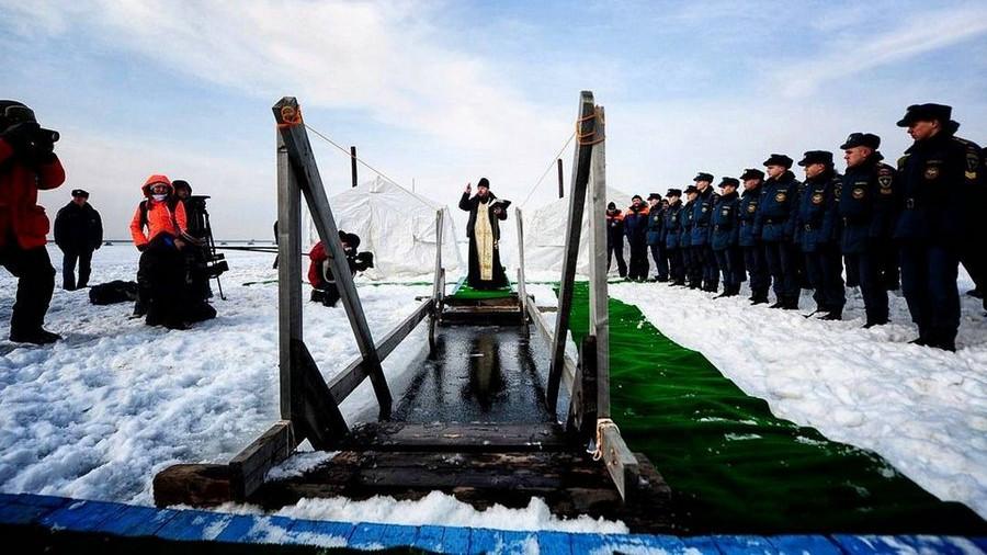 Почти 195 тыс. человек приняли участие в крещенских купаниях в Подмосковье