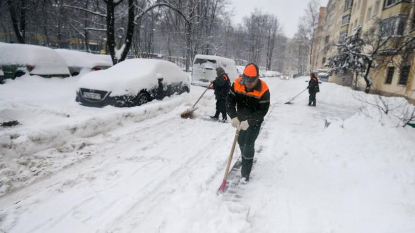 Почти 470 кубометров снега вывезли со дворов Московской области за сутки