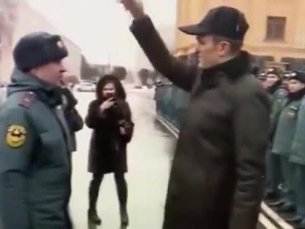 """""""Позорище"""": призывавший """"мочить"""" журналистов глава Чувашии прилюдно унизил спасателей"""