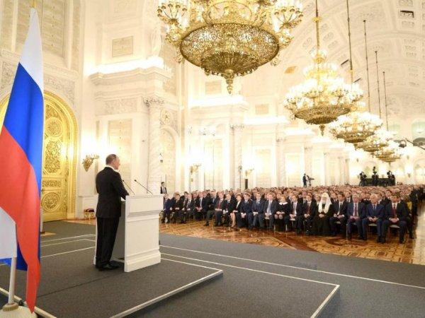 Путин предложил выплачивать пособие на детей от 3 до 7 лет и материнский капитал за первого ребенка