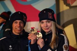 Российские биатлонисты Алёна Мохова и Олег Домичек - чемпионы III зимних юношеских Олимпийских игр в Лозанне