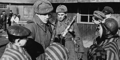 Сестра легендарной Анны Франк назвала советские фото освобождения Аушвица фальшивкой