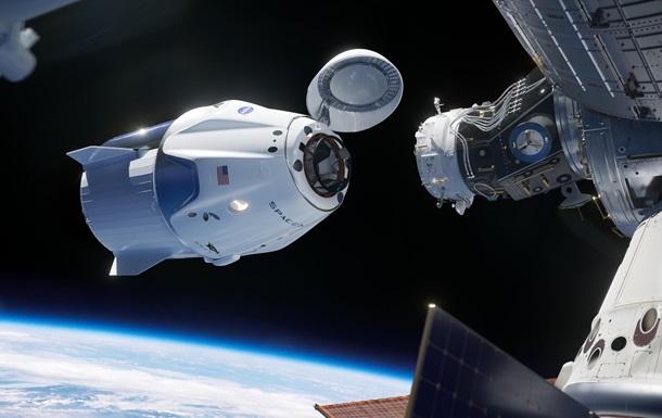 SpaceX запланировал пилотируемый полет Crew Dragon