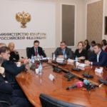 Владимир Мединский поручил проработать вопрос о бесплатном посещении школьниками российского кино