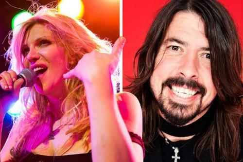 """Дэйв Грол и Кортни Лав Может статься, что в один из дней рождения барабанщика и гитариста Foo Fighters экс-супруга Кобейна придет к нему с протянутым мизинчиком """"на дружбу"""", но пока это злейшие враги."""