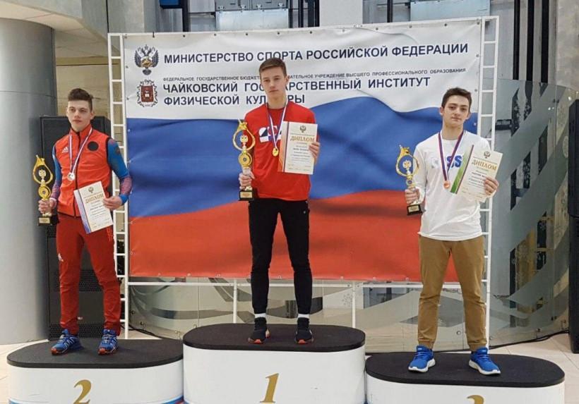 Золотая и две бронзовые медали на Первенстве России по лыжному двоеборью